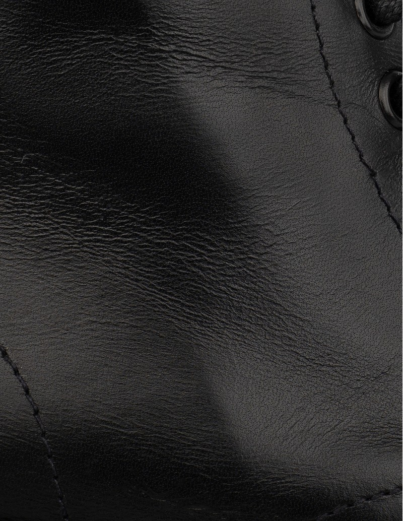 botas militares piel negra mujer