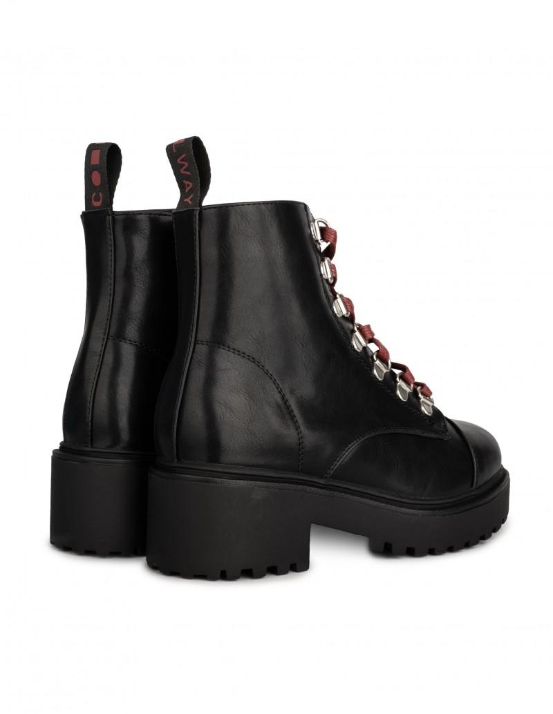 botas negras cordones rojos mujer