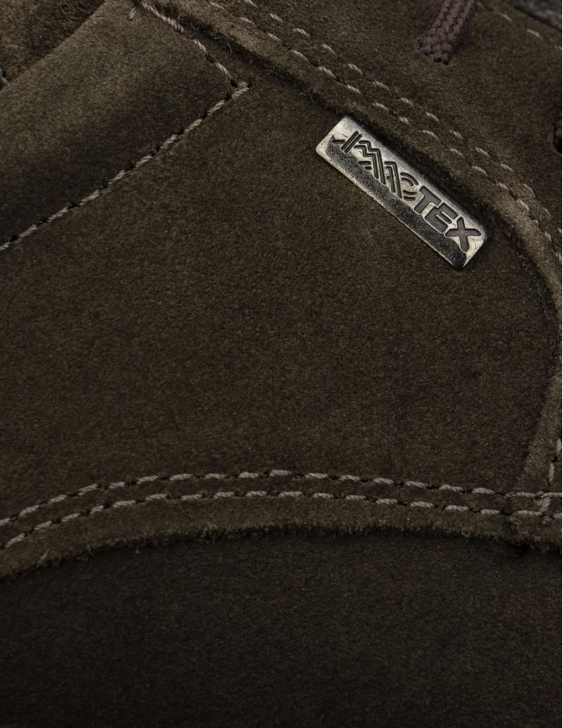 zapatos ante marrón impermeables