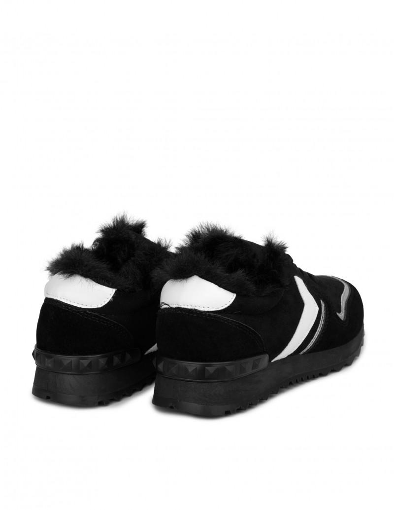 zapatillas negras mujer con pelo