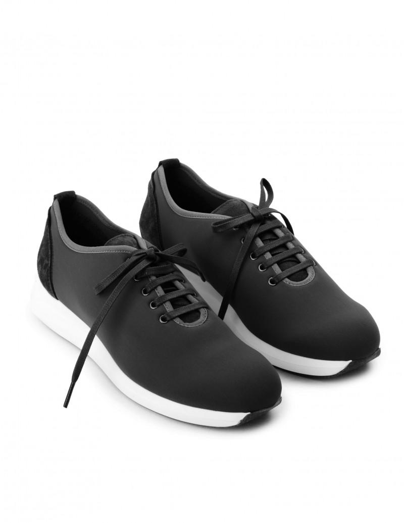 Zapatillas Negras Impermeables y Reciclables