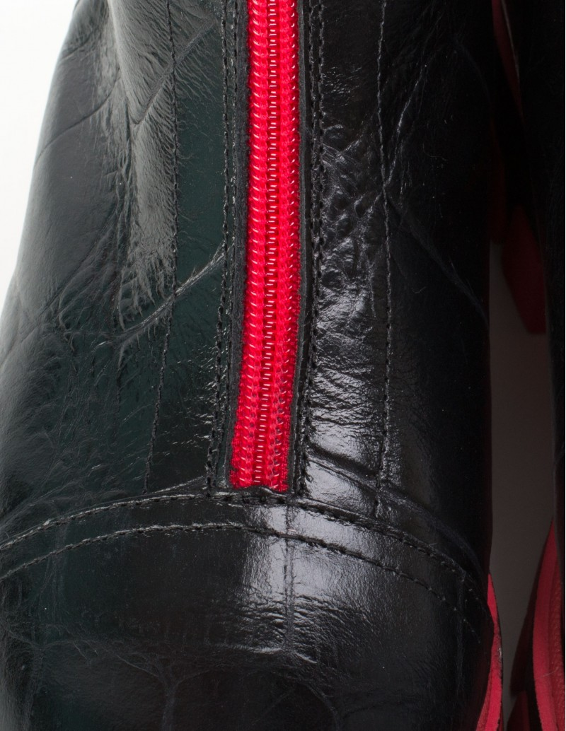 botas track negras cremallera roja