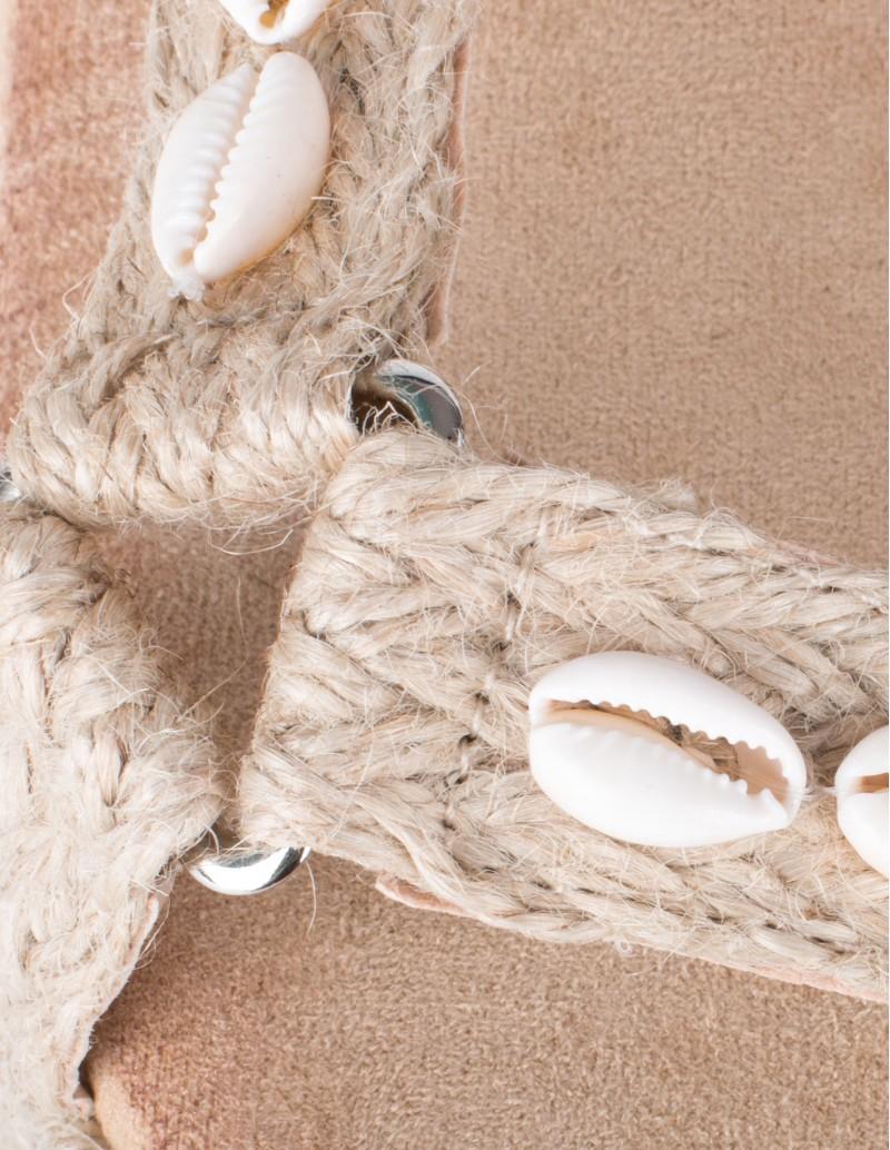 sandalias con conchas de mar