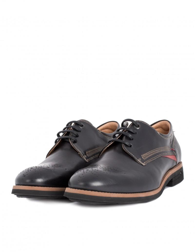Zapato fluchos detalle picados