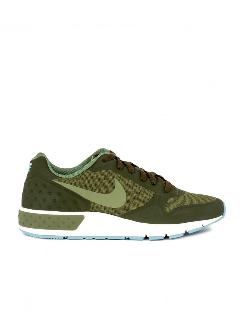 Nike deportivas nightgazer kaki