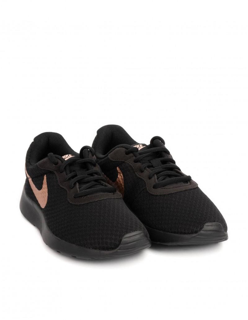 zapatillas nike negras mujer suela negra