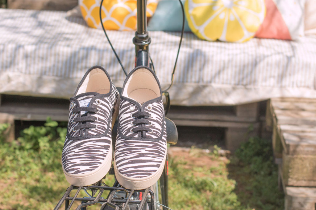 zapatillas cebra recicladas