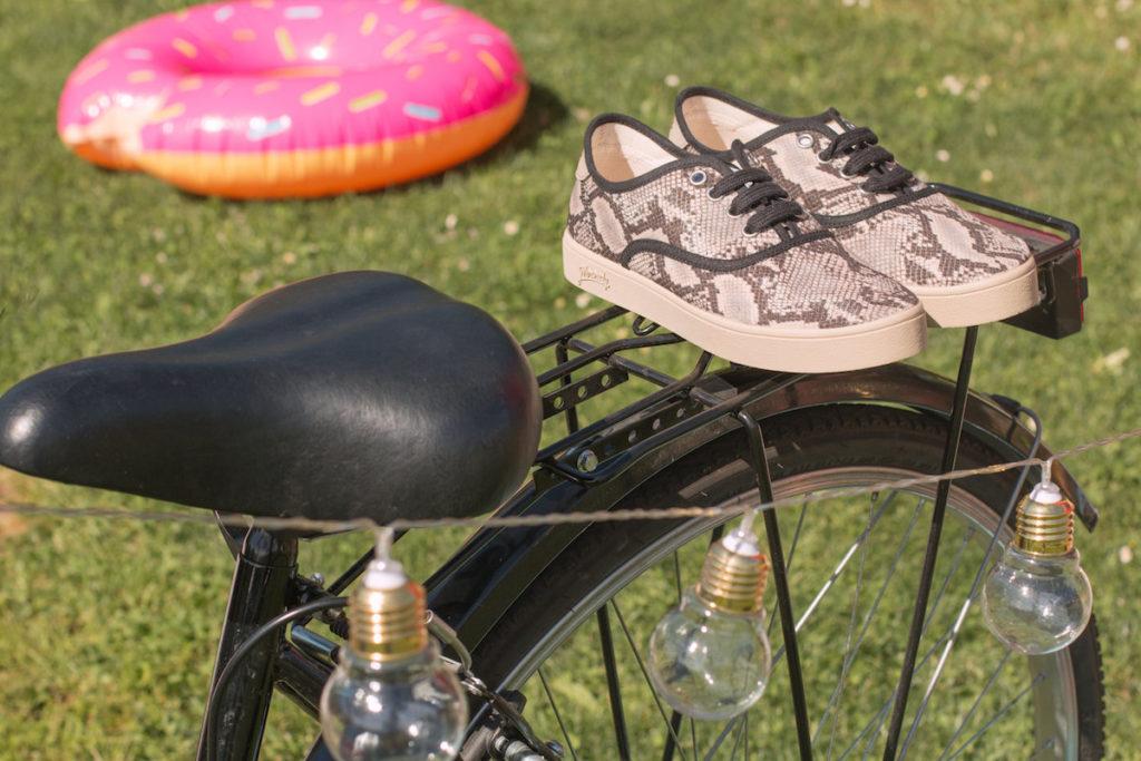 zapatillas serpiente recicladas
